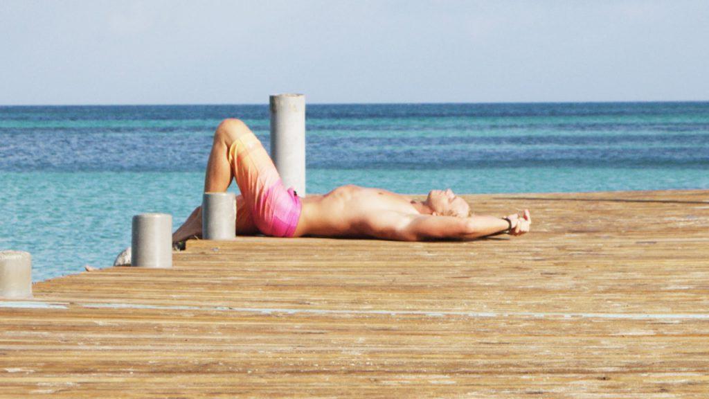 Shanger Danger se enamora de las mejores playas de Aruba durante su visita en la isla feliz