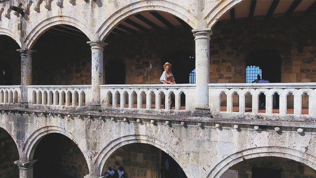 ¿Qué ver en Santo Domingo? Explora con Deborah Karter (@deborahkarter) República Dominicana.