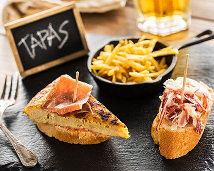 Eating tapas in Granada: the ultimate guide