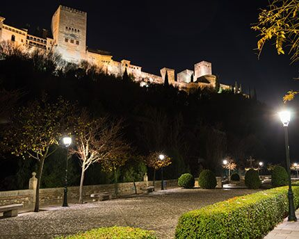 Paseo de los Tristes. Granada's most romantic and bohemian street