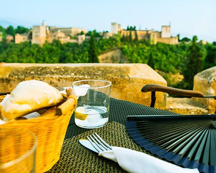 These are the top restaurants with views of the Alhambra