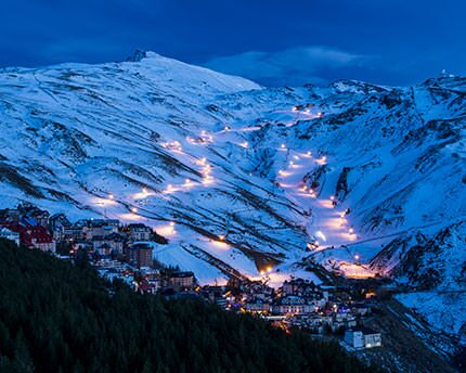 Sierra Nevada: Night skiing and legendary getaways