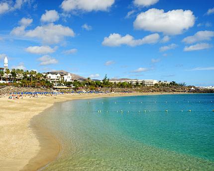 Playa Blanca y Punta Papagayo, un «paraíso» volcánico al sur de Lanzarote