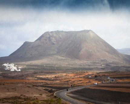 Volcán de la Corona, an oasis of plant life