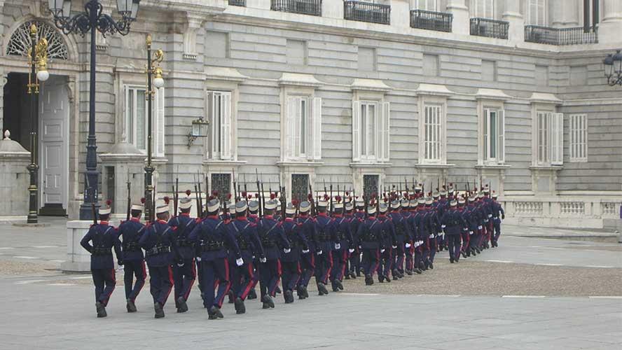 Guardia Real en el Palacio Real