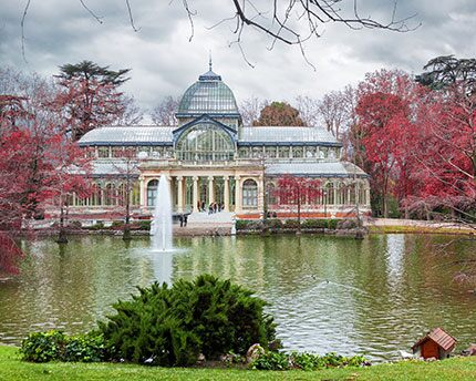 Parque del Retiro: from royal flight of fancy to public park