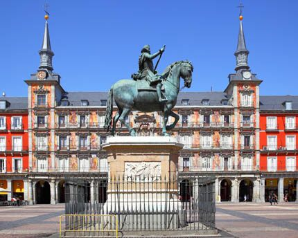 Madrid's Plaza Mayor: the Habsburg city's magnificent Baroque stage
