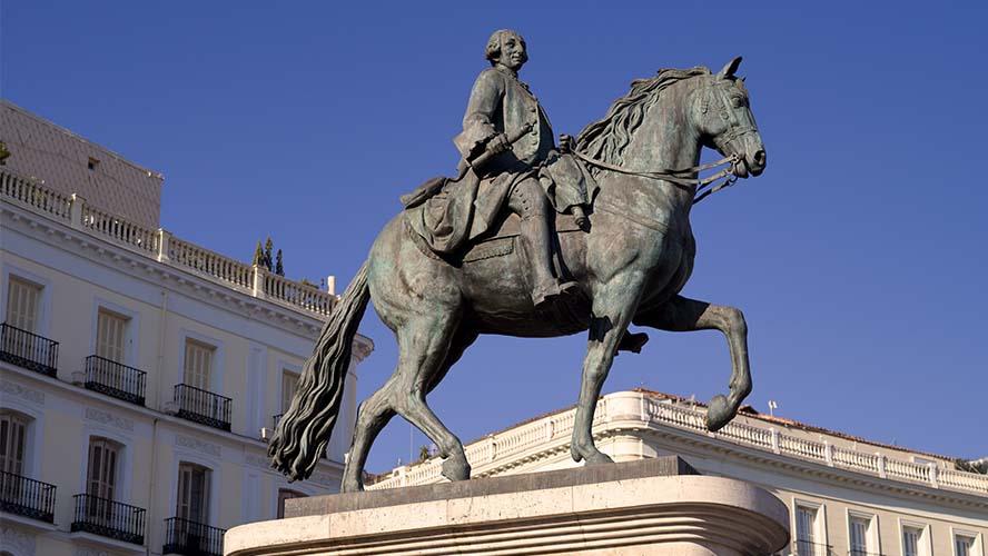 Estatua Carlos III en la Puerta del Sol