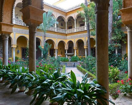 The Palacio de las Dueñas, discovering the intimate setting of the Casa de Alba