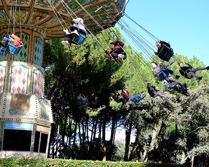Madrid's amusement parks: adrenaline and entertainment