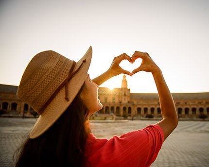 Romantic plans in Seville: let its magic sweep you off your feet