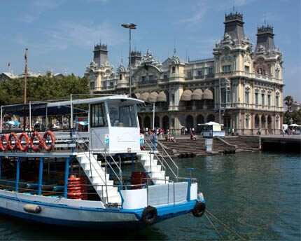 Port Vell: a must-do walk through Barcelona's port with sea breeze included