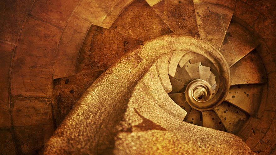 Escaleras para subir a las torres de la Sagrada Familia