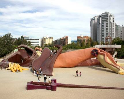 Parc Gulliver, the giant sleeping on the bed of the River Túria