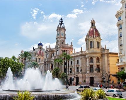Valencia's Plaça de l'Ajuntament: where it all starts
