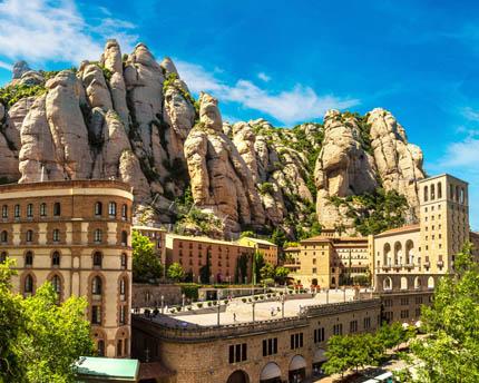 Montserrat, a visit to La Moreneta
