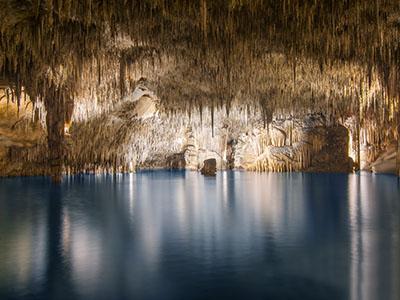 Lago subterraneo Cuevas de Drach