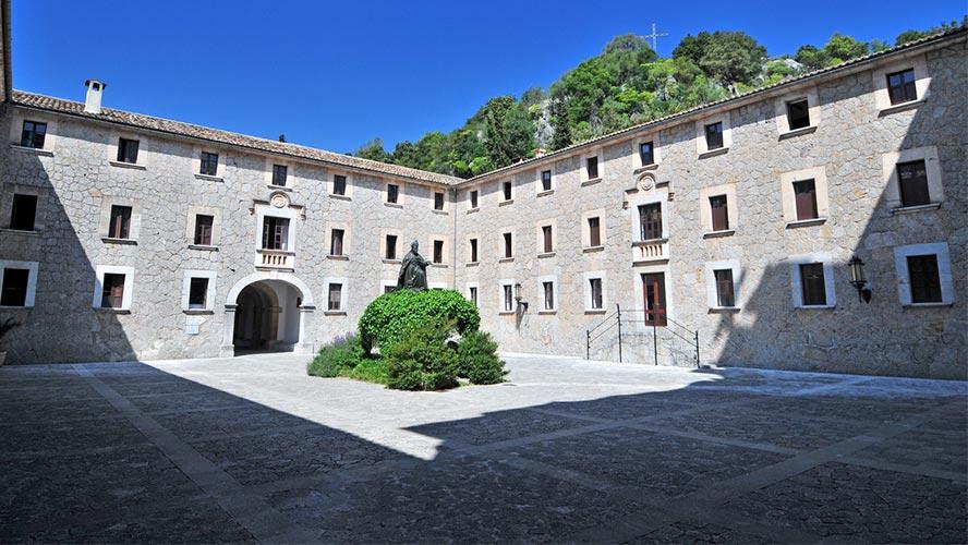 monasterio-de-lluc_mallorca