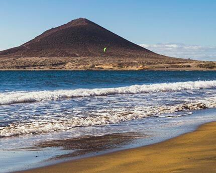 El Médano, relaxation and windsurfing on the wild beaches of Montaña Roja