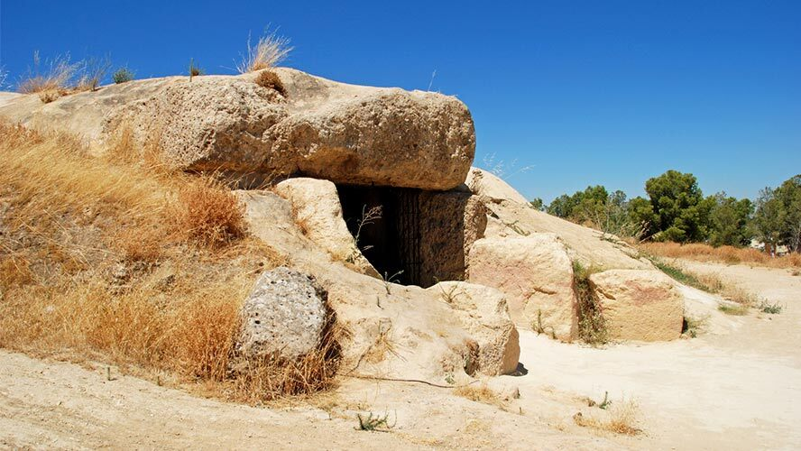 dolmen-de-menga_antequera