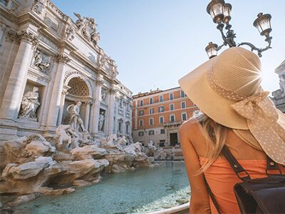 Turista en la Fontana di Trevi