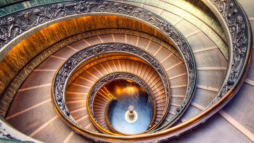 Escaleras de los Museos Vaticanos