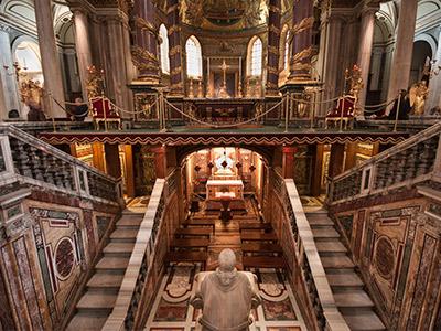 Interior de Santa María la Mayor.