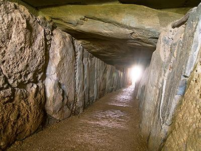 Interior del Dolmen de Soto