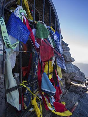 Recuerdos de escaladores en la subida al Mulhacén