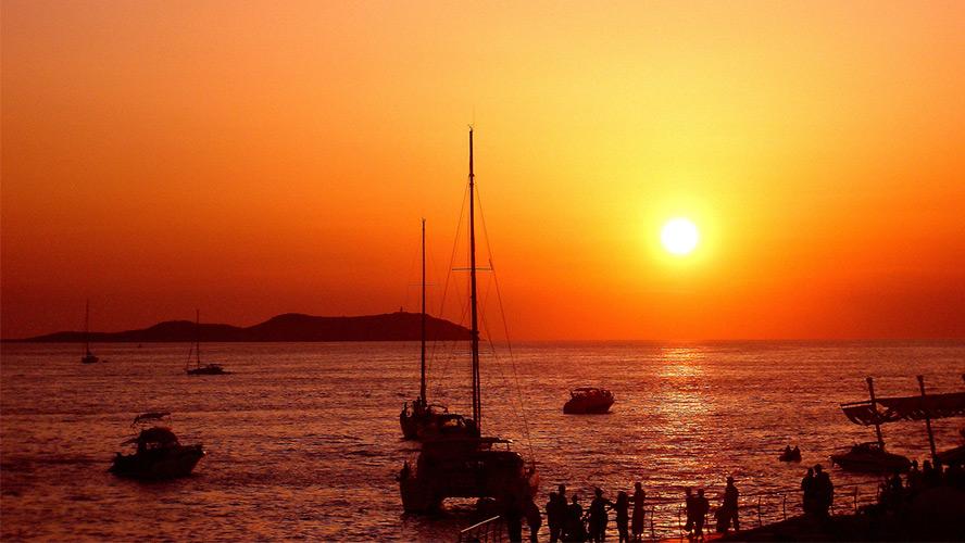 puesta de sol cafe del mar
