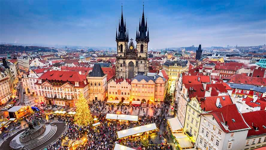 Navidad en la Plaza de la Ciudad Vieja de Praga