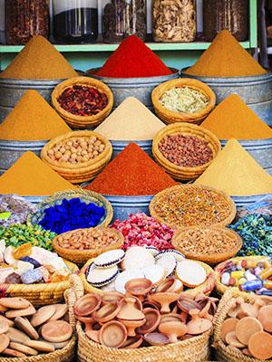 Puesto de especias en el zoco de Marrakech
