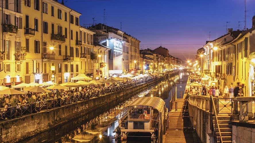 Noche en el barrio de Navigli