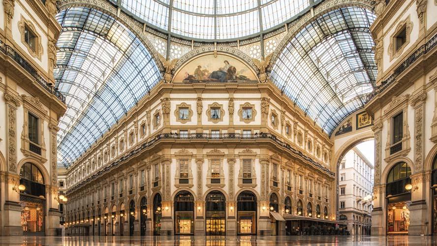Galería en la Piazza del Duomo