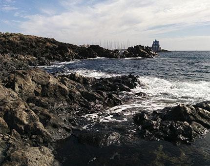 Las Galletas, una playa con ambiente pesquero