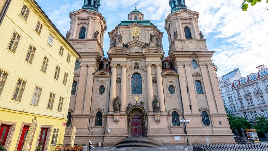 iglesia san nicolas praga