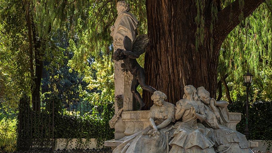 estatua a bequer sevilla