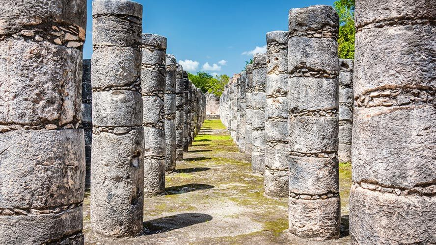 chichen-itza-mil-columnas