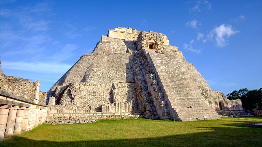 uxmal-piramide